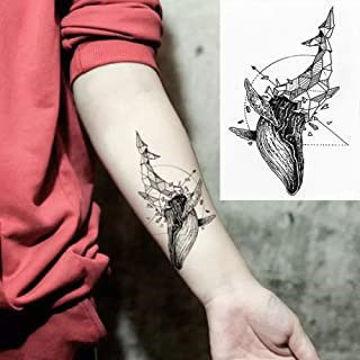 tatouage éphémère baleine géométrique